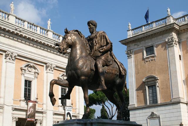 0_Marcus_Aurelius_-_Piazza_del_Campidoglio_(1)